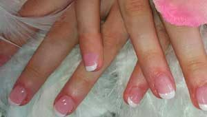ongle en gel french manucure sabine valenti maquillage permanent